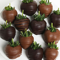 Dark & Milk Chocolate Covered Strawberries (9004S)
